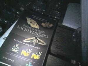 Ook belangrijk, een goede nachtvlindergids