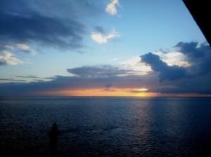 Zonsondergang en fraaie wolkenpartijen